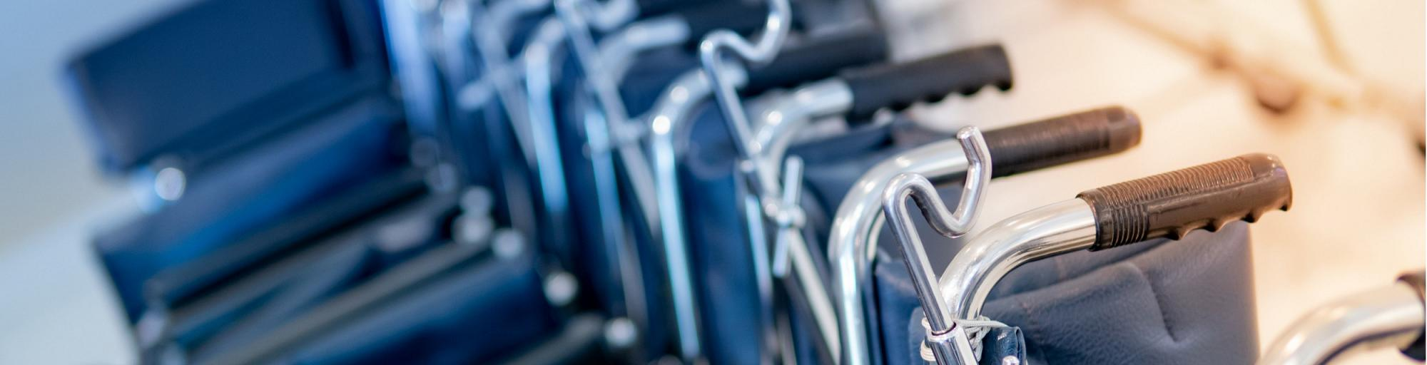 Rollstühle & Gehhilfen leihen